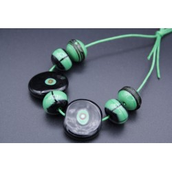 Set de perles noir et vert en verre de Murano