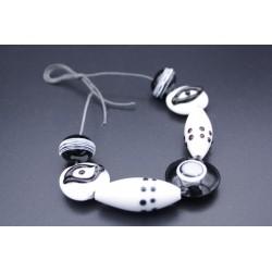 Set de perles en verre de Murano blanc et noir